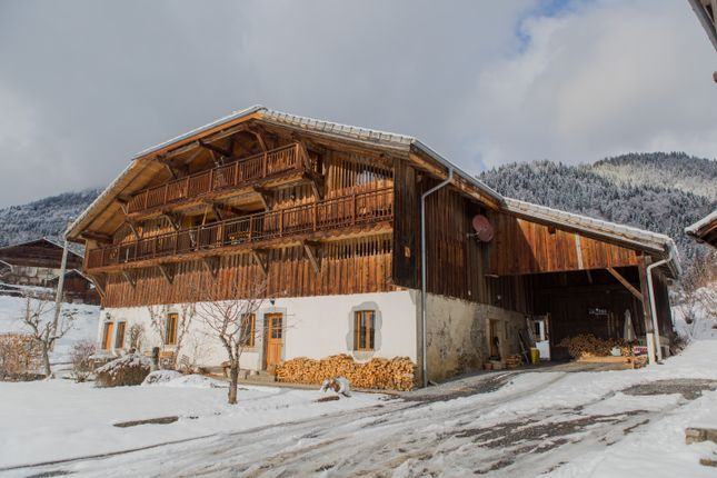 Thumbnail Farmhouse for sale in Grand-Massif Samoens, France