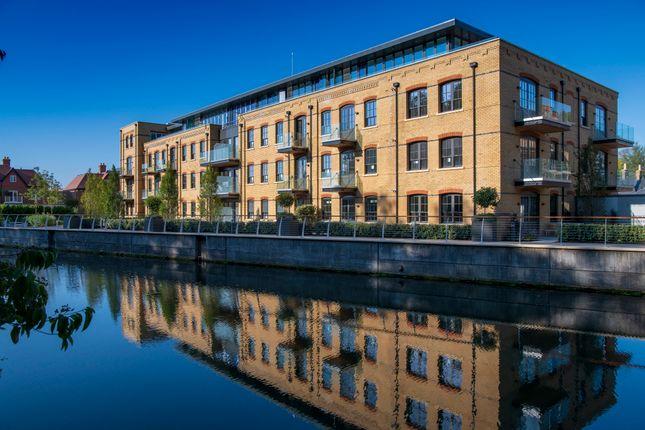 Thumbnail Flat for sale in Mill Lane, Taplow