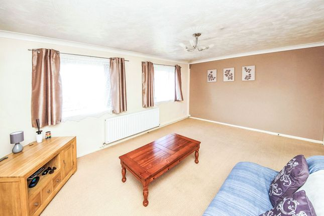 Thumbnail Flat for sale in Old Farm Gardens, Blandford Forum