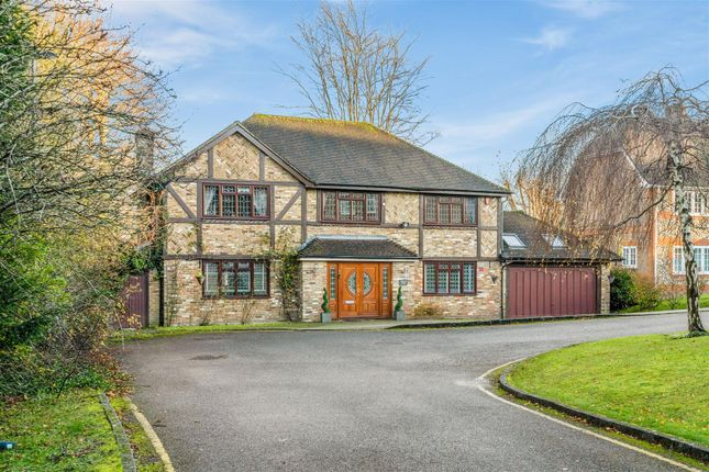 Thumbnail Detached house for sale in Petworth Close, Coulsdon, Chipstead