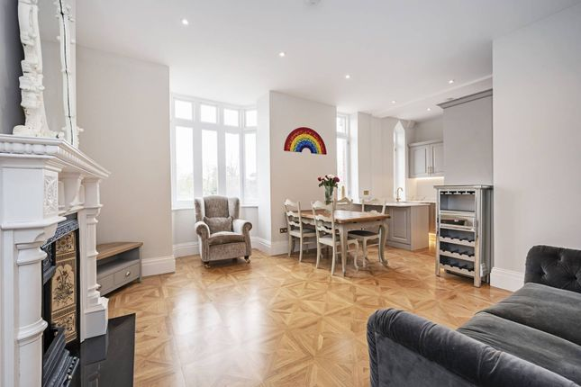 3 bed flat for sale in Seven Sisters Road, Manor House, London N4