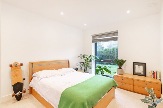 1 bed flat to rent in 47 Westleigh Avenue, Putney SW15