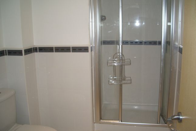 En Suite Shower Room To Master Bedroom