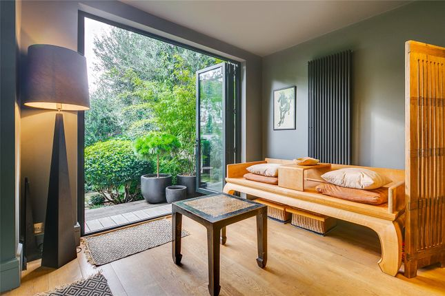 Reception Room of Byfeld Gardens, Barnes, London SW13