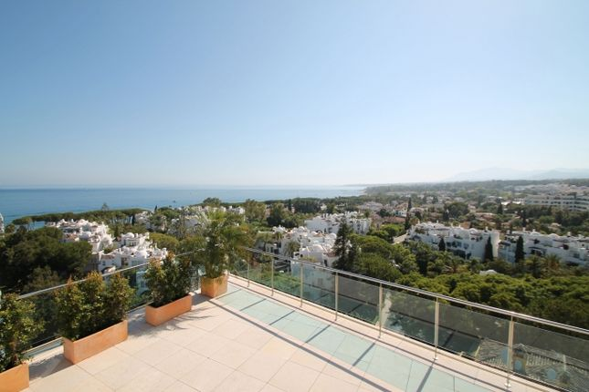 Thumbnail Apartment for sale in Golden Mile Beachside, Marbella Golden Mile, Costa Del Sol