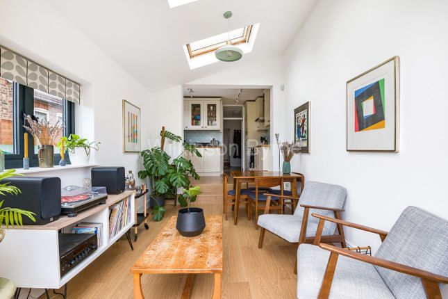 Thumbnail Flat for sale in Goring Road, London