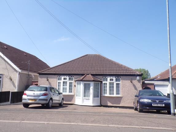 Thumbnail Bungalow for sale in Pound Lane, Laindon, Basildon