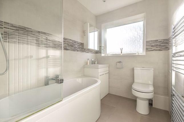 Bathroom of High Point, London SE9