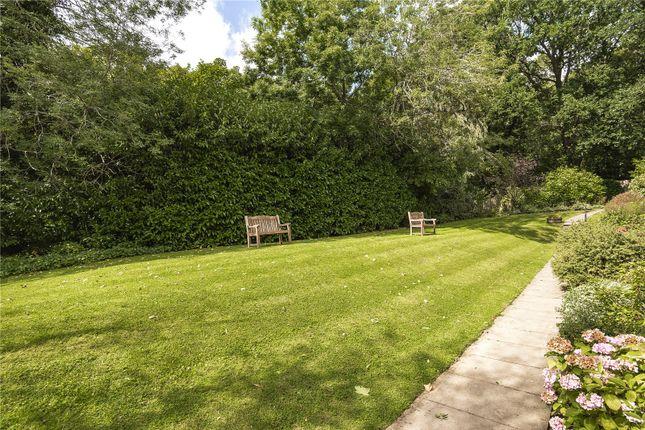 Picture No. 07 of Skillen Lodge, 552 Uxbridge Road, Pinner HA5