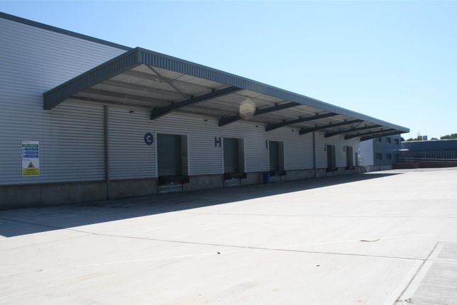 Thumbnail Warehouse to let in 4 Reliant Close, Chandlers Ford, Hampshire