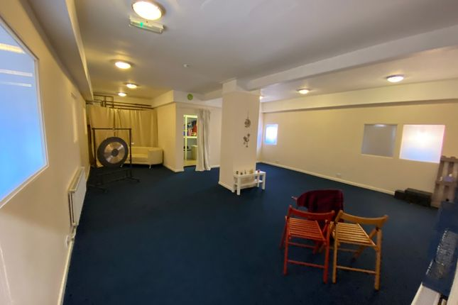 Thumbnail Leisure/hospitality to let in Rotherham Road, Sheffield