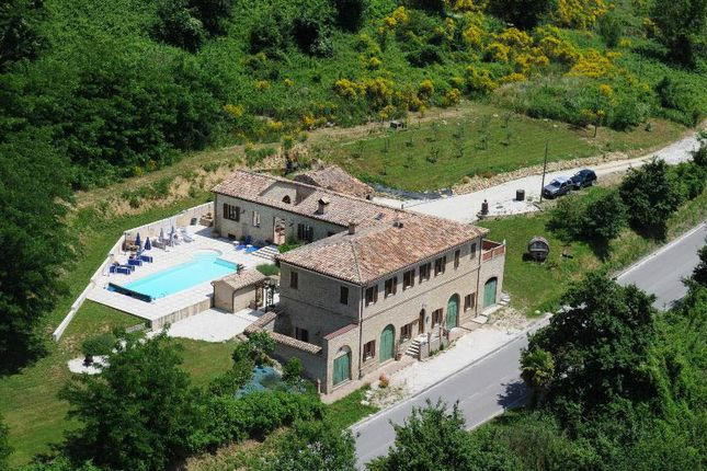 4 bed country house for sale in Cupramontana, Ancona, Marche, Italy