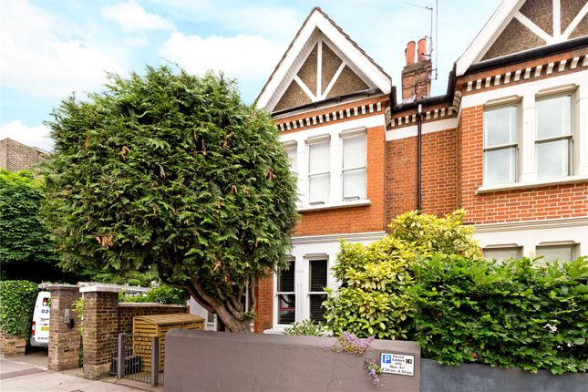Thumbnail Maisonette for sale in The Gables, Old Town, London