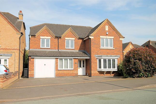 Thumbnail Detached house for sale in Tamworth Road, Kettlebrook, Tamworth, Staffordshire