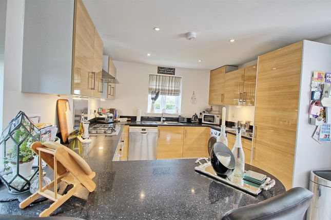 Kitchen2 of Hempstalls Close, Hunsdon, Ware SG12