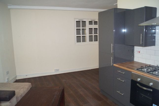 Thumbnail Flat to rent in Stockport Road, Levenshulme, Manchester
