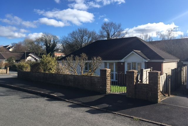 3 bed bungalow to rent in Jury Park, South Molton EX36