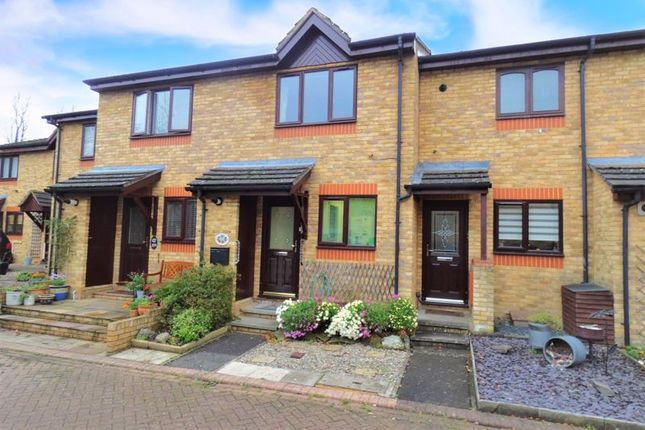 2 bed terraced house for sale in Cannon Grove, Fetcham, Leatherhead KT22