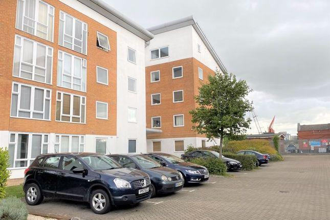 Thumbnail Flat to rent in Felixstowe Court, London