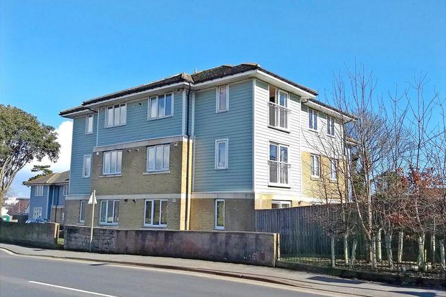 Thumbnail Flat to rent in Broadway, Sandown