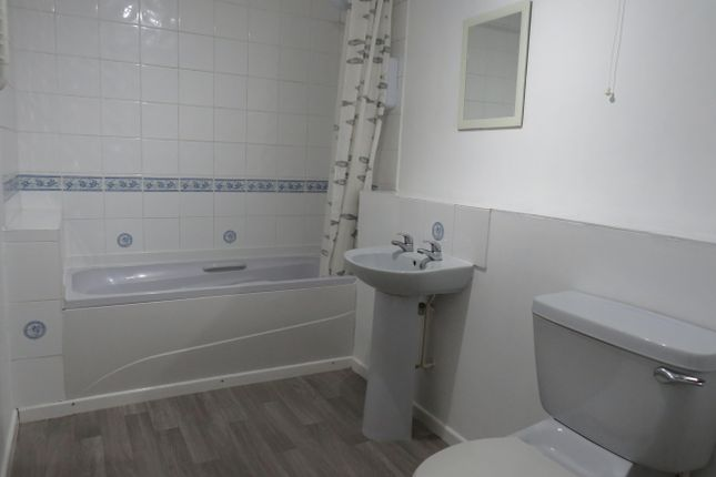 Bathroom of Warneford Mews, Radford Road, Leamington Spa CV31