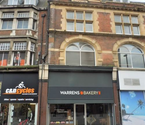 Thumbnail Retail premises to let in 34 Station Road, Redhill