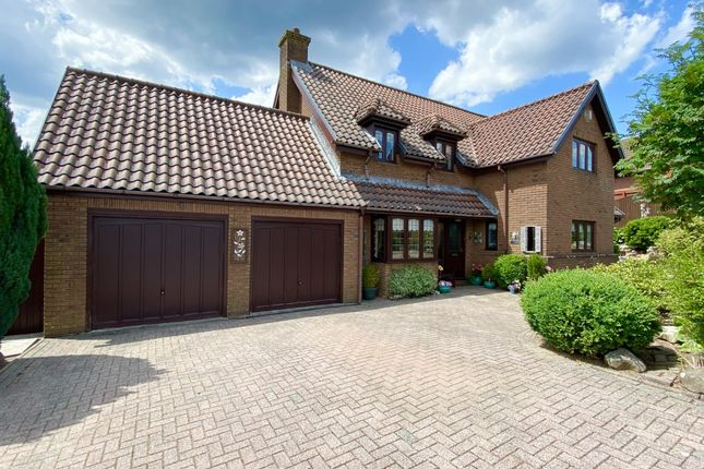 Thumbnail Detached house for sale in Maple Drive, Aberdare, Mid Glamorgan