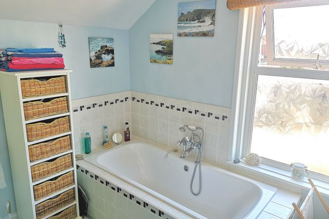 Large Bathroom of Gordon Road, Gosport PO12