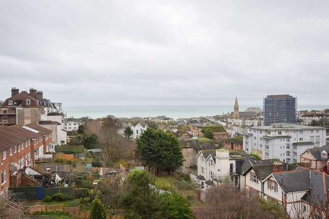 Thumbnail Flat to rent in Penthouse De Cham Road, St. Leonards-On-Sea, East Sussex.