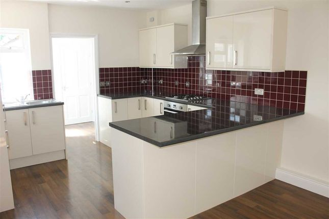 Thumbnail Semi-detached house to rent in Reading Road, Ipswich