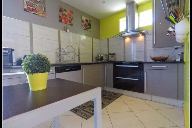 Property for sale in Pays De La Loire, Maine-Et-Loire, Pellouailles Les Vignes