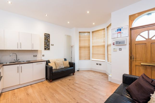 Thumbnail Shared accommodation to rent in North Lane, Headingley, Leeds