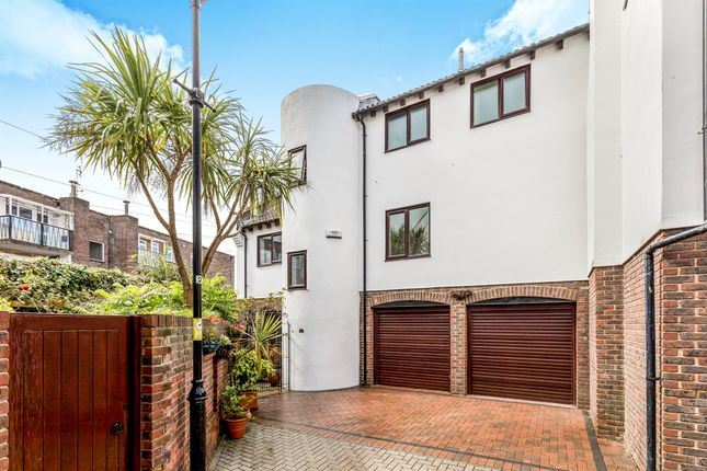 Thumbnail Semi-detached house for sale in Oyster Mews, French Street, Portsmouth