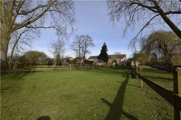 Thumbnail Semi-detached house for sale in Mitton, Tewkesbury, Gloucestershire