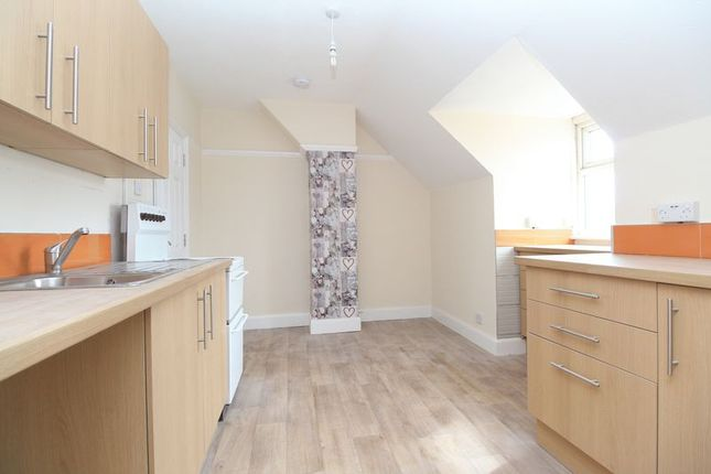 Thumbnail Flat for sale in Hitchin Road, Henlow Camp