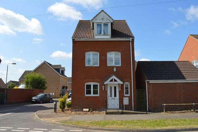 Thumbnail Town house for sale in Clenchwarton Road, West Lynn, King's Lynn