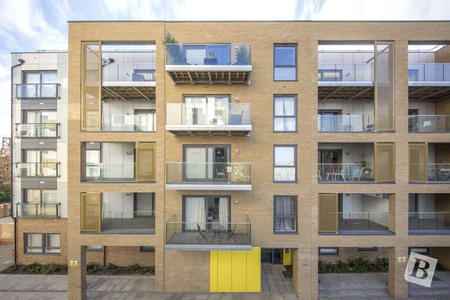 Thumbnail Flat for sale in Watson Heights, Chelmsford, Essex