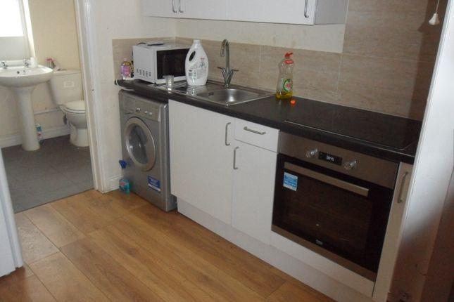 Thumbnail Flat to rent in Longford Road, Longford