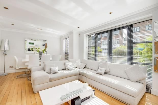 3 bed flat for sale in North End Way, Hampstead, London