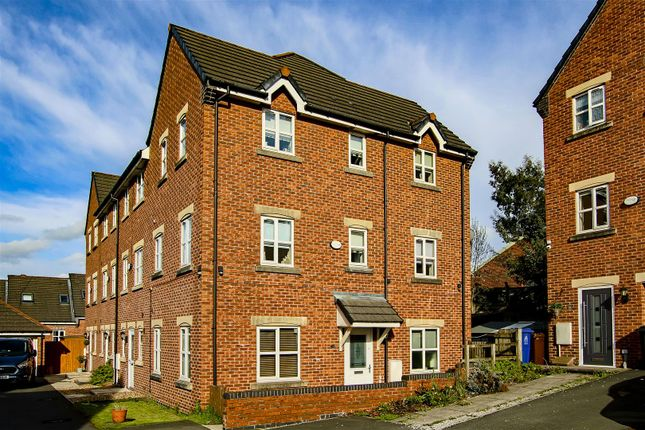 4 bed town house for sale in Sweet Briar Close, Clayton Le Moors, Accrington BB5