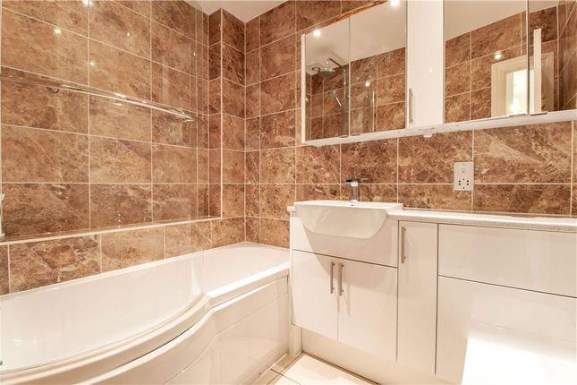 Bathroom of Wallace Grove, Three Mile Cross, Reading RG7
