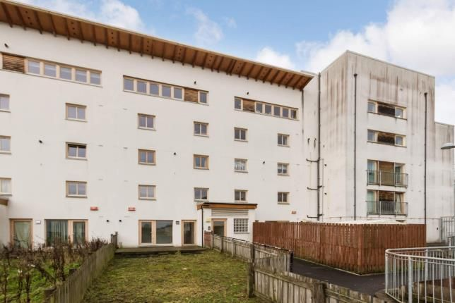Thumbnail Flat for sale in Lochburn Gate, Maryhill, Glasgow, Scotland