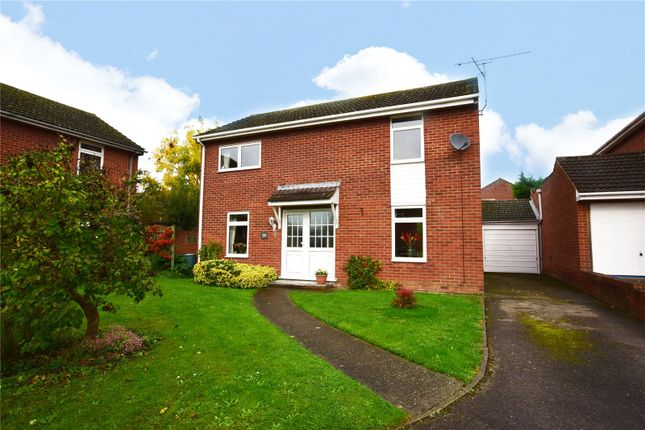 Thumbnail Detached house for sale in Hurst Park Road, Twyford, Reading, Berkshire
