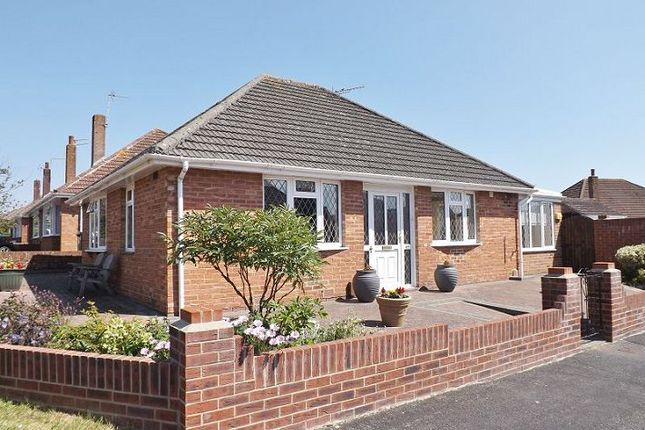 Thumbnail Bungalow for sale in Morelands Road, Waterlooville, Hampshire