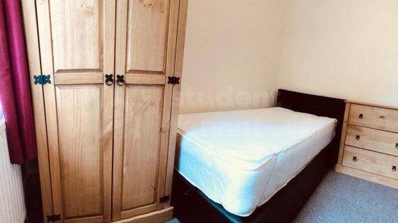 Single Room of Caernarfon Road, Bangor, Gwynedd LL57