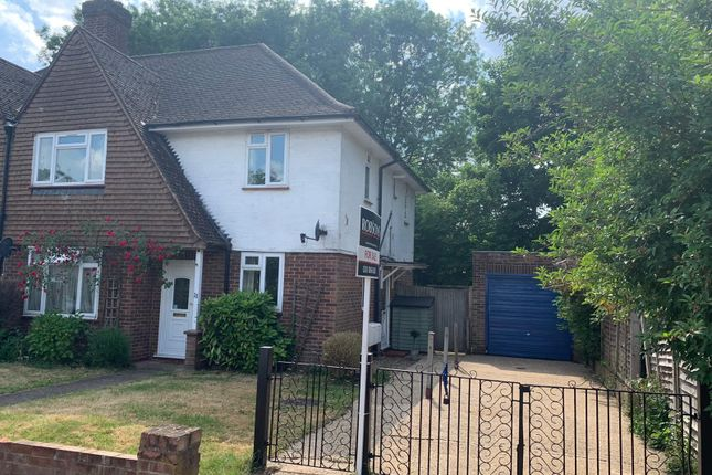 Flat for sale in Woodridings Close, Pinner