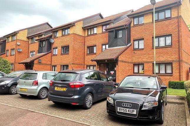 Thumbnail Flat to rent in Gatting Close, Pavillion Way, Edgware