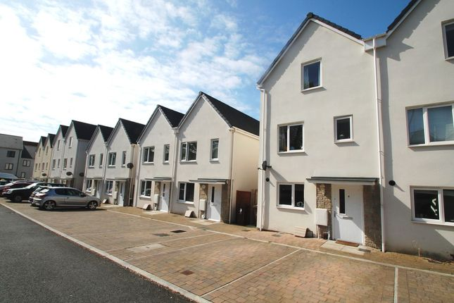 Thumbnail Town house for sale in Temple Walk, Plymouth