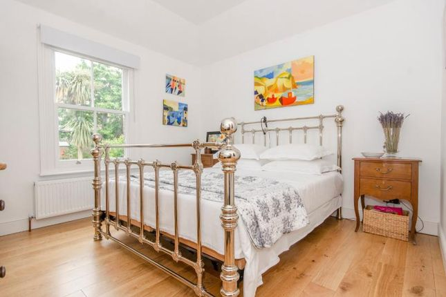 Bedroom 1 of Hertford Road, London N2