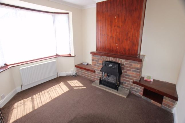 Thumbnail Semi-detached house to rent in Waltham Avenue, Hayes